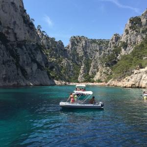 """En fransk """"fjord"""" - full av båter og badeliv!"""